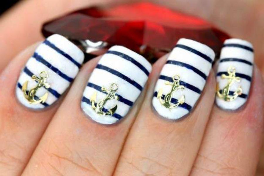 Estate 2018: unghie in stile marinaro.